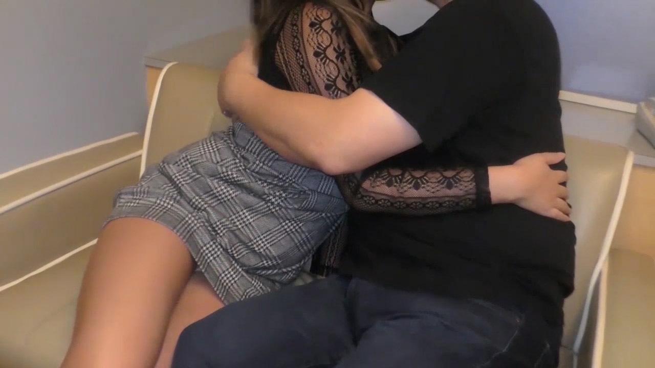 【個人撮影】淫乱オーラ全開の黒ギャル系娘の生ハメ